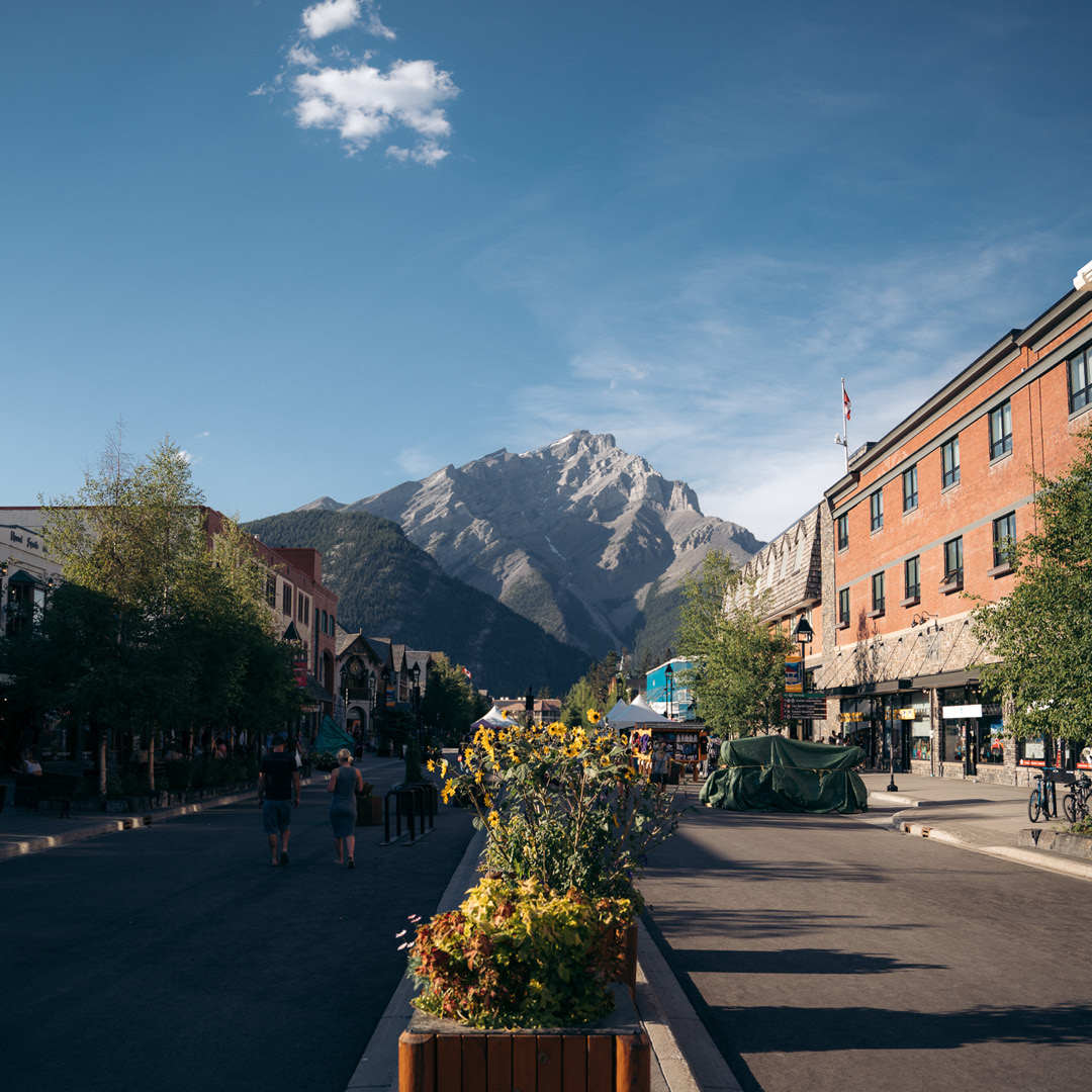 5 Local Eateries in Banff Hero thumbnail